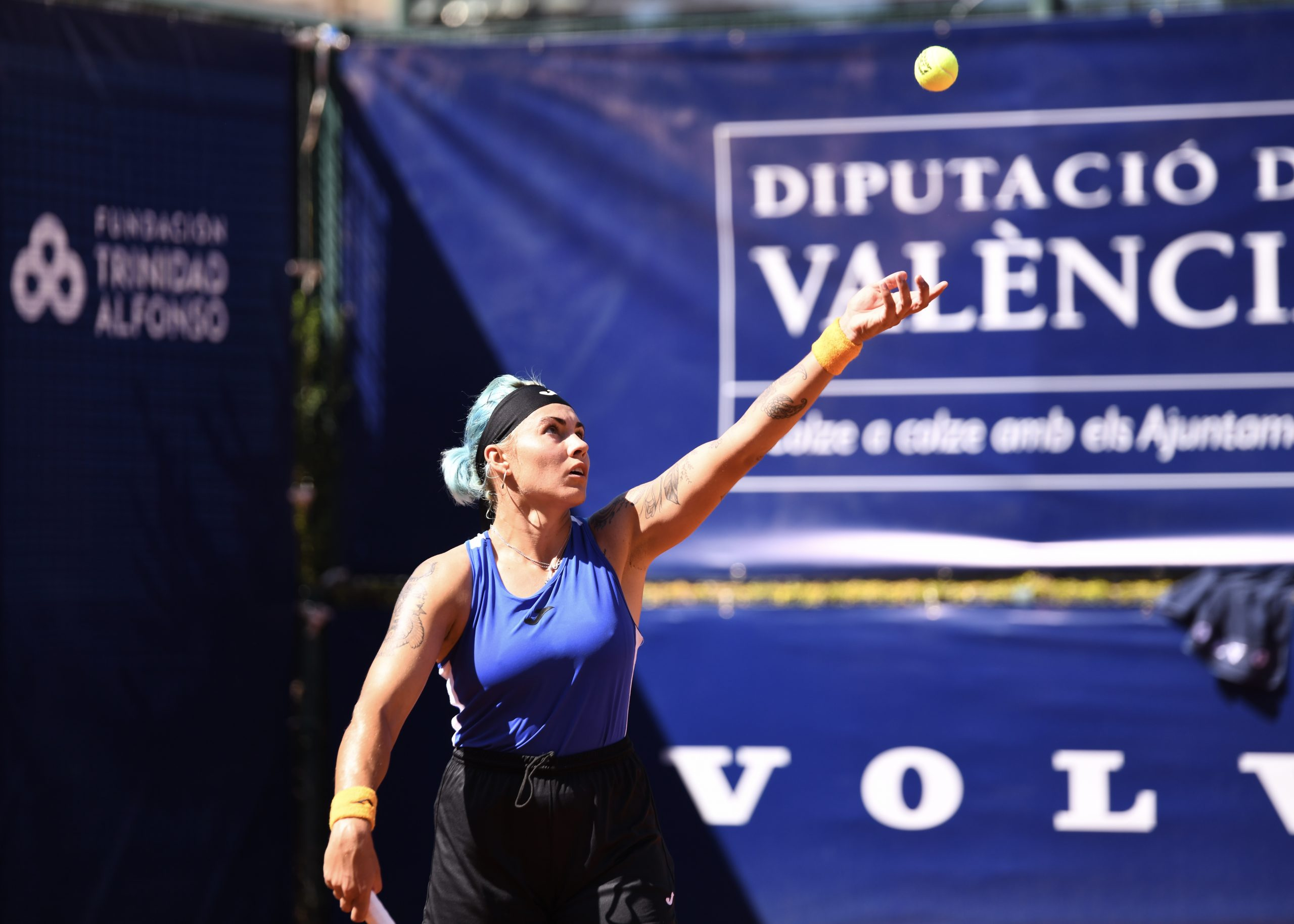 BOLSOVA REACHES THE SEMIFINALS WITH TWO MATCHES IN ONE DAY AND FITA MAINTAINS VALENCIAN PRESENCE IN DOUBLES